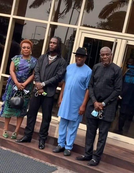 See What Rivers State Governor Gave To Burna Boy, For His Grammy Award Home Coming Concert In Port Harcourt.